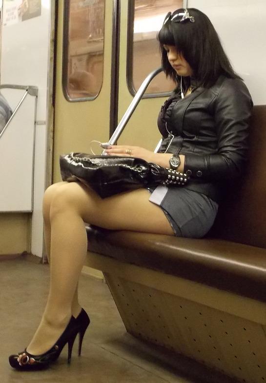 Почему я должна уступать сидячее место в метро!