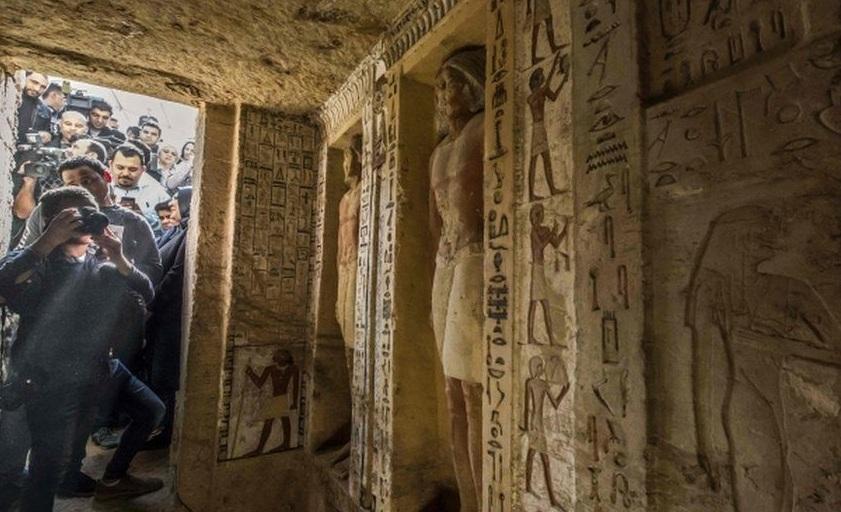 В Египте нашли нетронутую гробницу возрастом 4400 лет
