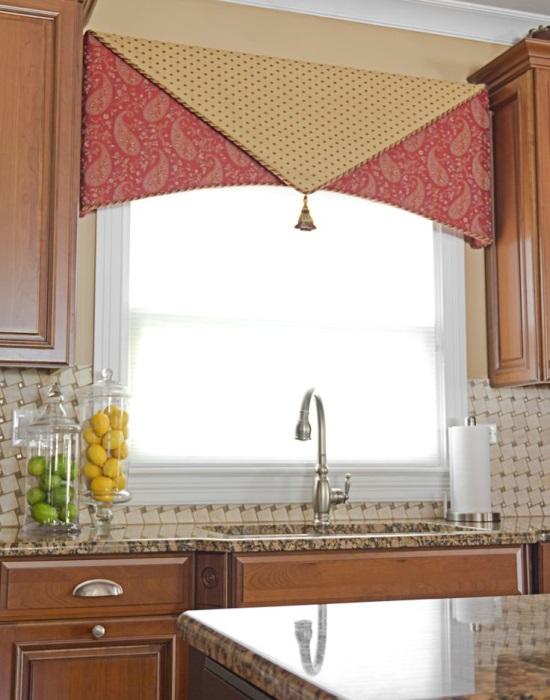 Стильная отделка окна в кухне своими руками