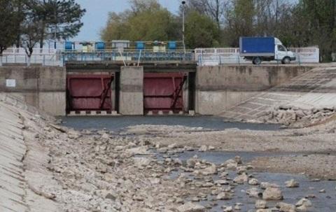 Украина окончательно отрезала Крым отднепровской воды