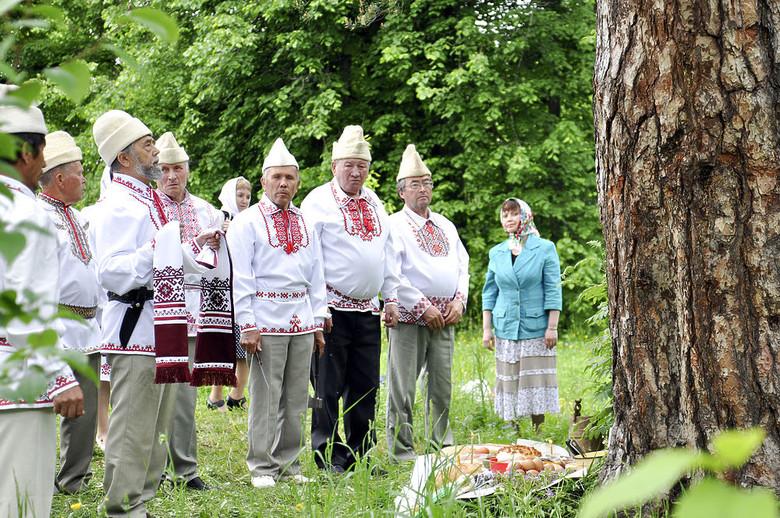 Что марийцы просят у деревьев в Священной роще