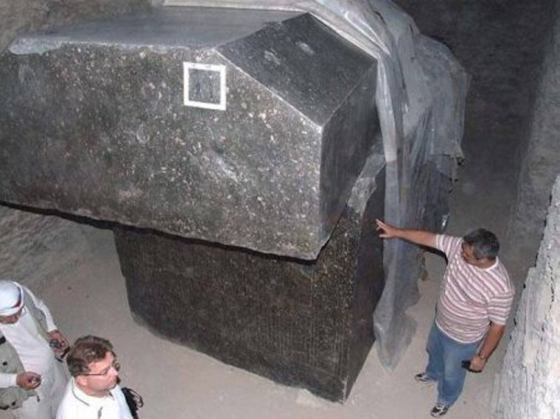 1. Качество обработки этих гранитных саркофагов находится на пределе современных машинных технологий. древний египет, история, технологии