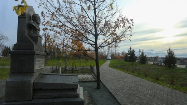 Как в Барнауле благоустраивают Нагорный парк с лужайками и скамейками