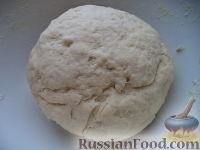 Фото приготовления рецепта: Шарики на кефире с ореховой начинкой - шаг №6