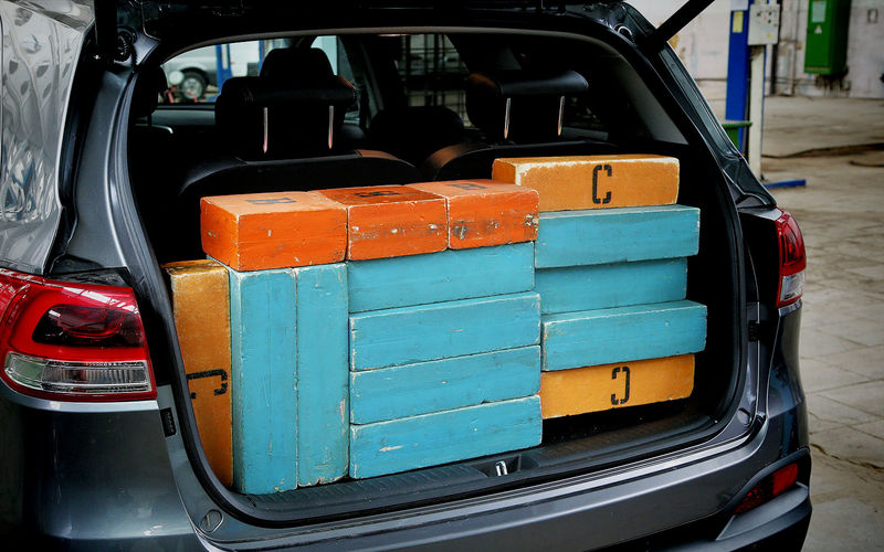 10 доступных седанов с самыми большими багажниками
