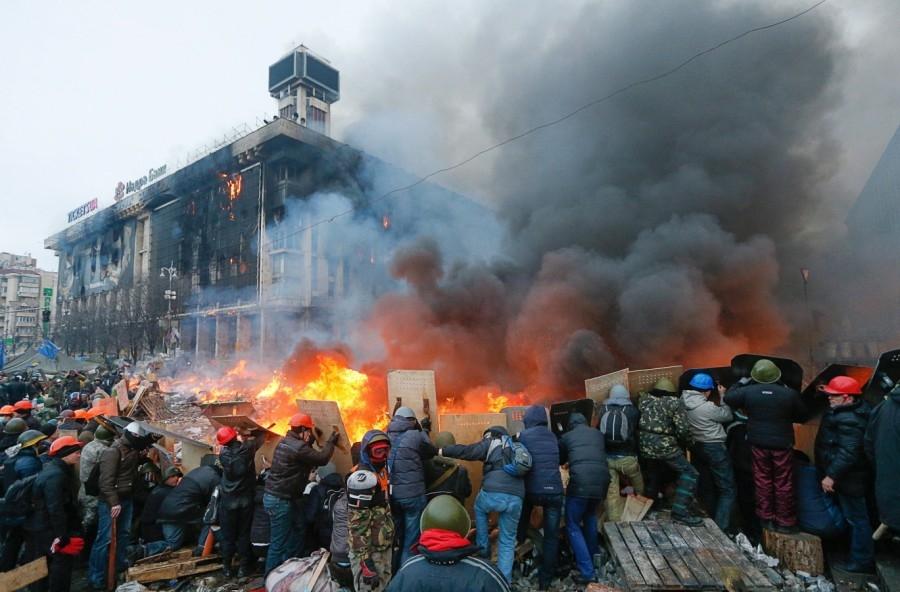 Маски сняты. Импортер майдана в Россию расчехлился.
