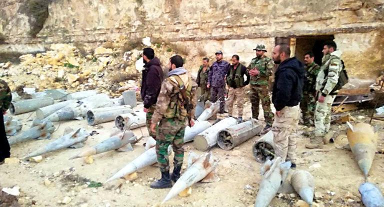 """На юге Сирии обнаружен огромный тайник террористов с ракетами класса """"земля-воздух"""""""