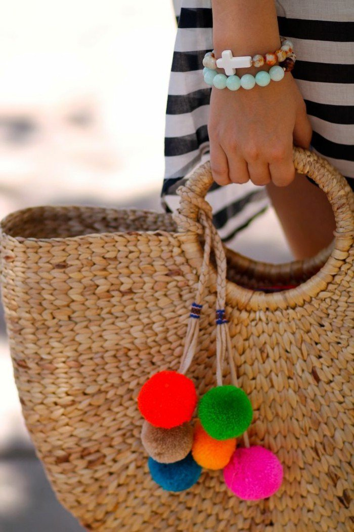 Картинки по запросу bolsa de praia com pompom