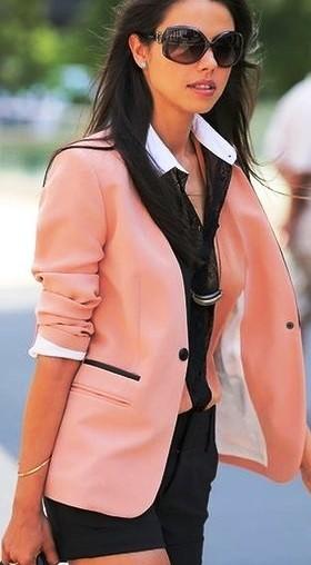 Альтернатива классическому стилю — женственный и элегантный casual