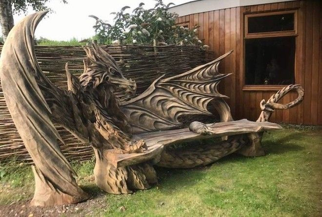 Резьба по дереву бензопилой: драконья скамейка