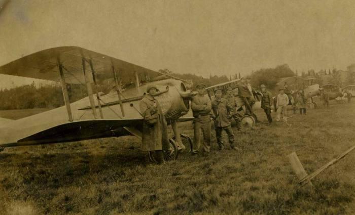 Самолеты на старте. Петергофский аэродром, 1922 год.