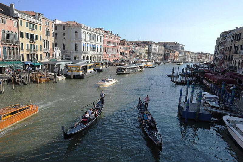 В Венеции вводят налог для туристов