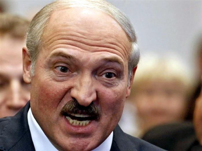 Двойная игра белорусского президента