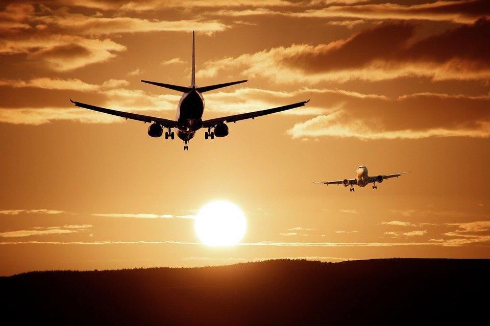«Главными пострадавшими могут стать пассажиры»: авиапровайдеров заставят перенести базы данных в РФ