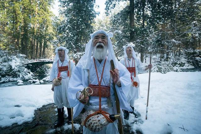 «Горные монахи» – документальная короткометражка о японских отшельниках Ямабуси
