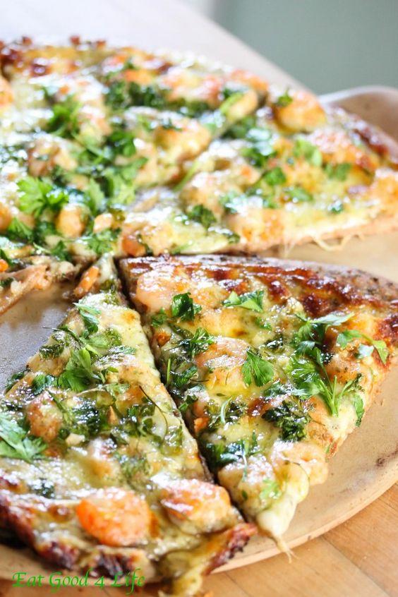 Пиццы с мидиями и креветками