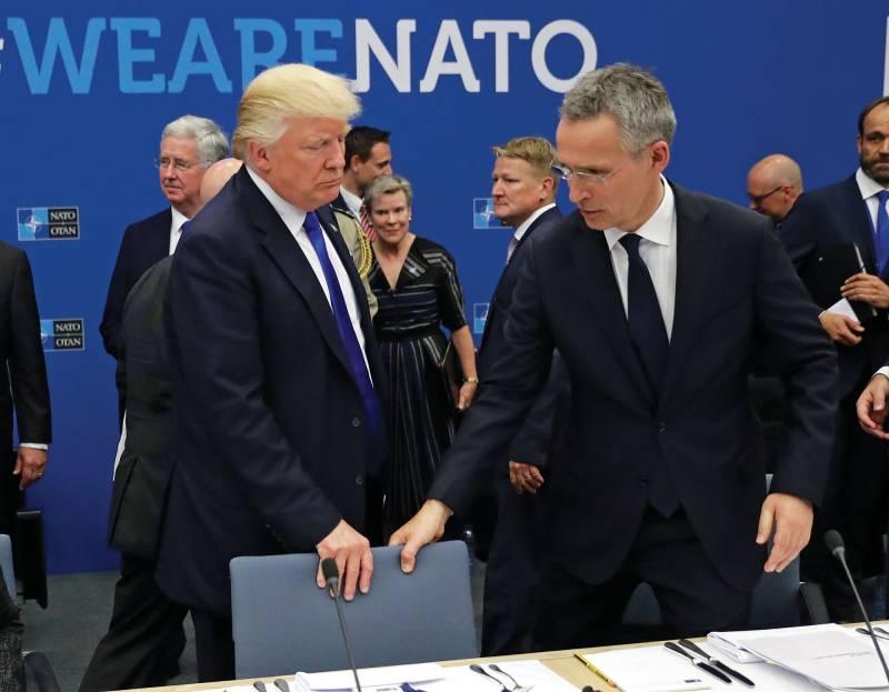 Кого нынче атакует НАТО: Россию или США?