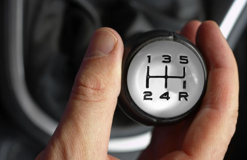 При какой скорости нужно включать пятую передачу на машине