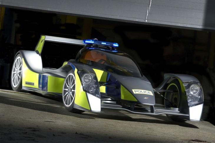 Необычные полицейские автомобили со всего мира