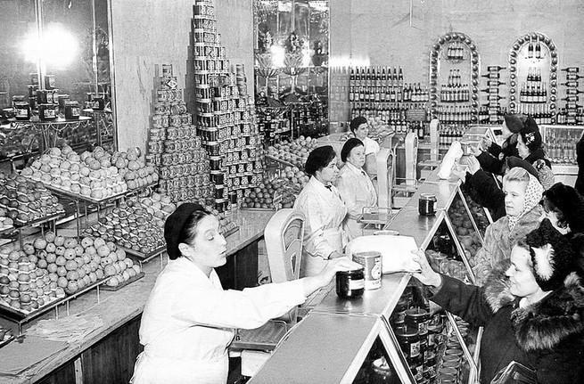 Сталинский СССР. Зарплаты, цены, ассортимент. Ежегодное снижение цен