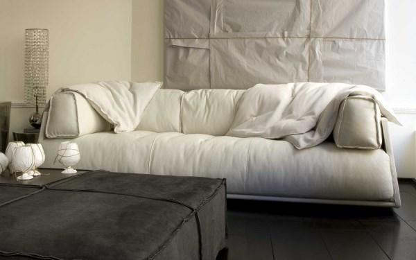 Как определить качество дивана - мягкое наполнение пухом