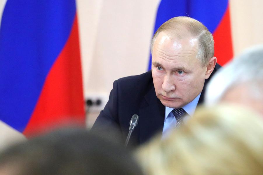Президент Путин решил, как оценивать работу губернаторов. Почти все про народ и экономику