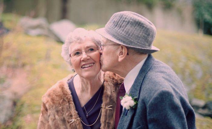 Супружеские пары долгожителей из разных стран