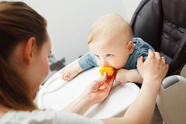 Витамины и микроэлементы, которые помогут укрепить иммунитет ребенка