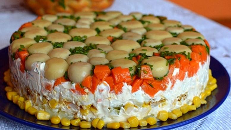 Торт-салат с курицей и гриба…