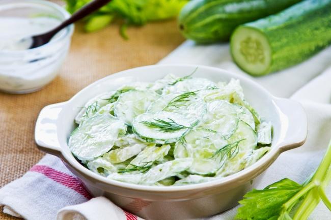 Вкусный салат из свежих огурцов рецепт с