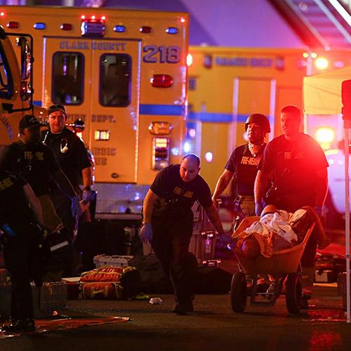 В результате стрельбы в Лас-Вегасе в больницах оказалось более 400 человек