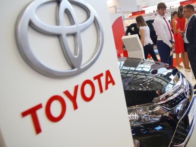 Toyota отзывает более миллиона машин из-за опасности для жизни водителей