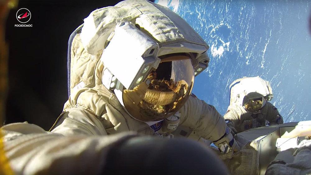 Российские космонавты в откр…