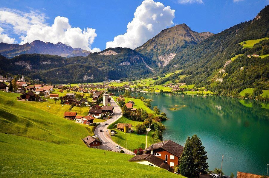 Побывавшие в Швейцарии, восхищаются чистотой городов и сел страны