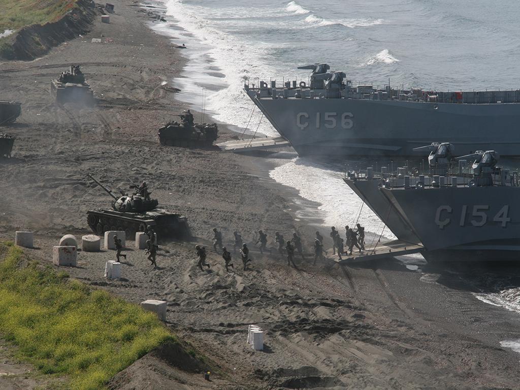 ВМС Турции готовятся высадить десант в Крыму ?
