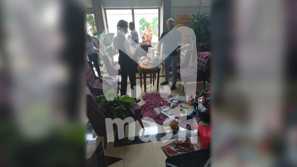 Туалетная бумага и тапочки. Русских туристов поймали на краже из турецкого отеля