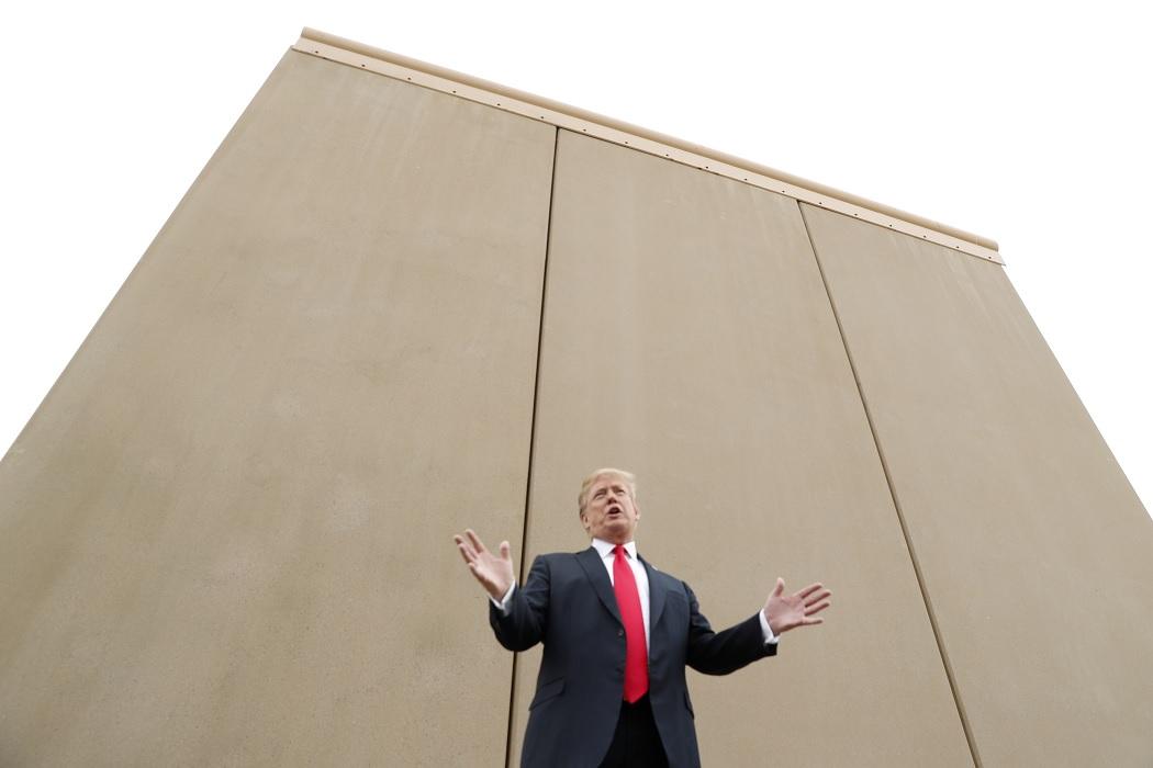 Трамп намерен использовать на постройку стены на границе с Мексикой средства из военного бюджета США