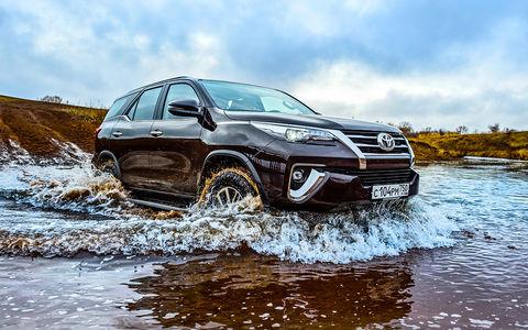 Новый Toyota Fortuner — тест-драйв ЗР