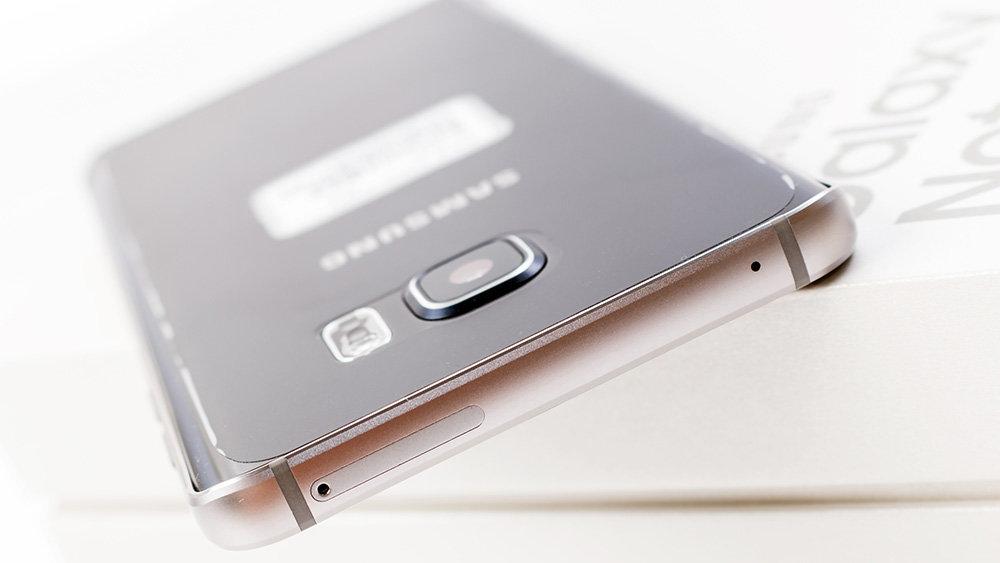 Раскрыты секреты революционной камеры Samsung Galaxy S10
