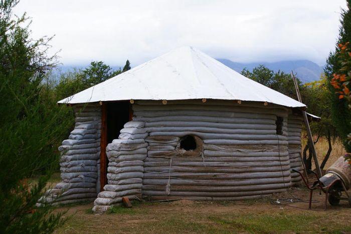 Как построить дешевый дачный домик своими руками