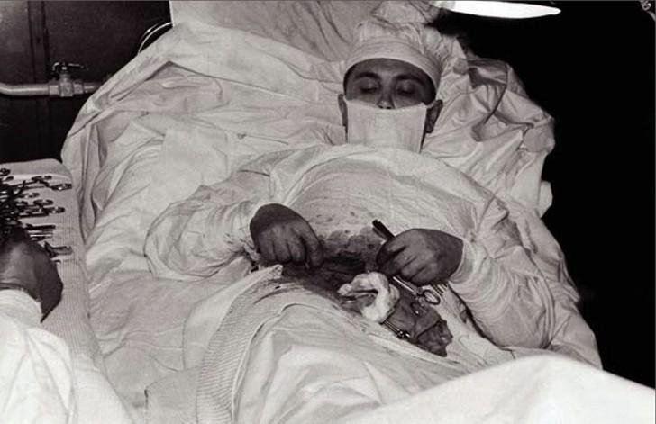 Российский хирург, который сам себя прооперировал