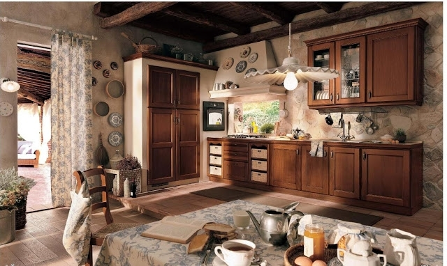 Темный вариант кухни в стиле прованс.