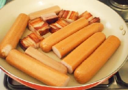 Квашеная капуста с колбасой