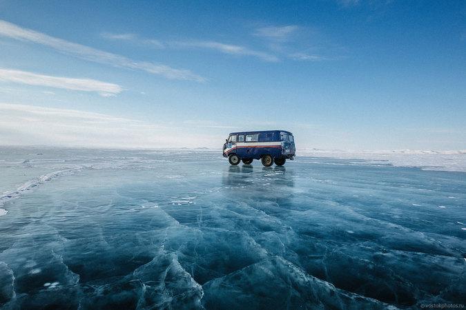 Доставка почты на Крайний Север по льду Лены:  полет в Тикси похож на лотерею...