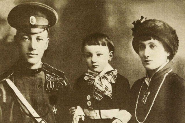 «Мой папа поэт, а мама - истеричка». История любви Ахматовой и Гумилева