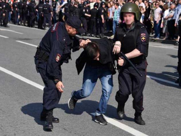 Полицейским на митингах хотят выдавать видеорегистраторы