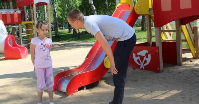 Незнакомец сказал 8-летней девочке, чтобы она пошла с ним... Ответ малышки спас ей жизнь!