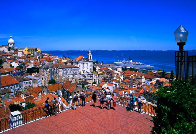 Алфама - старинный квартал Лиссабона.