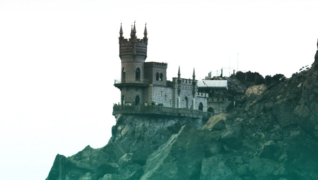 От моря к морю: эксперт оценил потенциал туристических взаимодействий Петербурга и Крыма