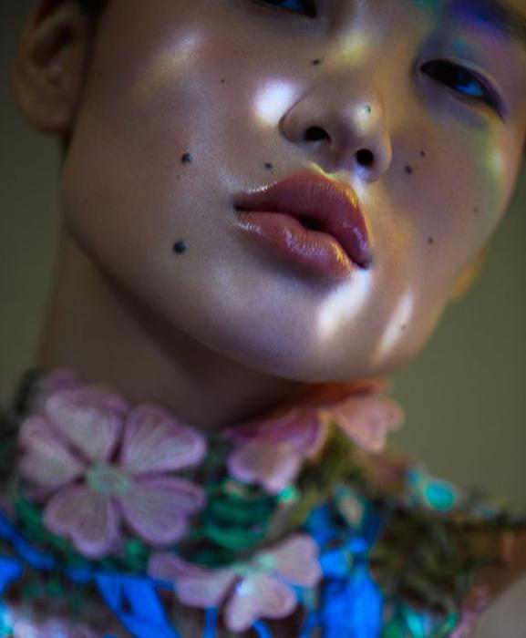 Модные бренды борются за модель-инопланетянку, которая ничего о себе не рассказывает